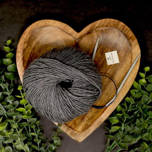 wool 700x700 JPEGred3